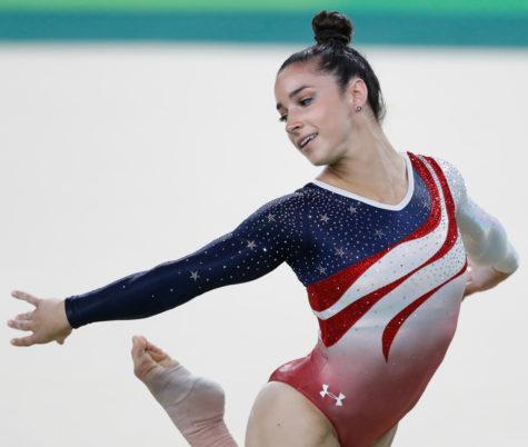 Rio de Janeiro - Aly Raisman, ginasta dos Estados Unidos, durante final em que levou medalha de ouro na disputa por equipes feminina nos Jogos Olímpicos Rio 2016. (Fernando Frazão/Agência Brasil)