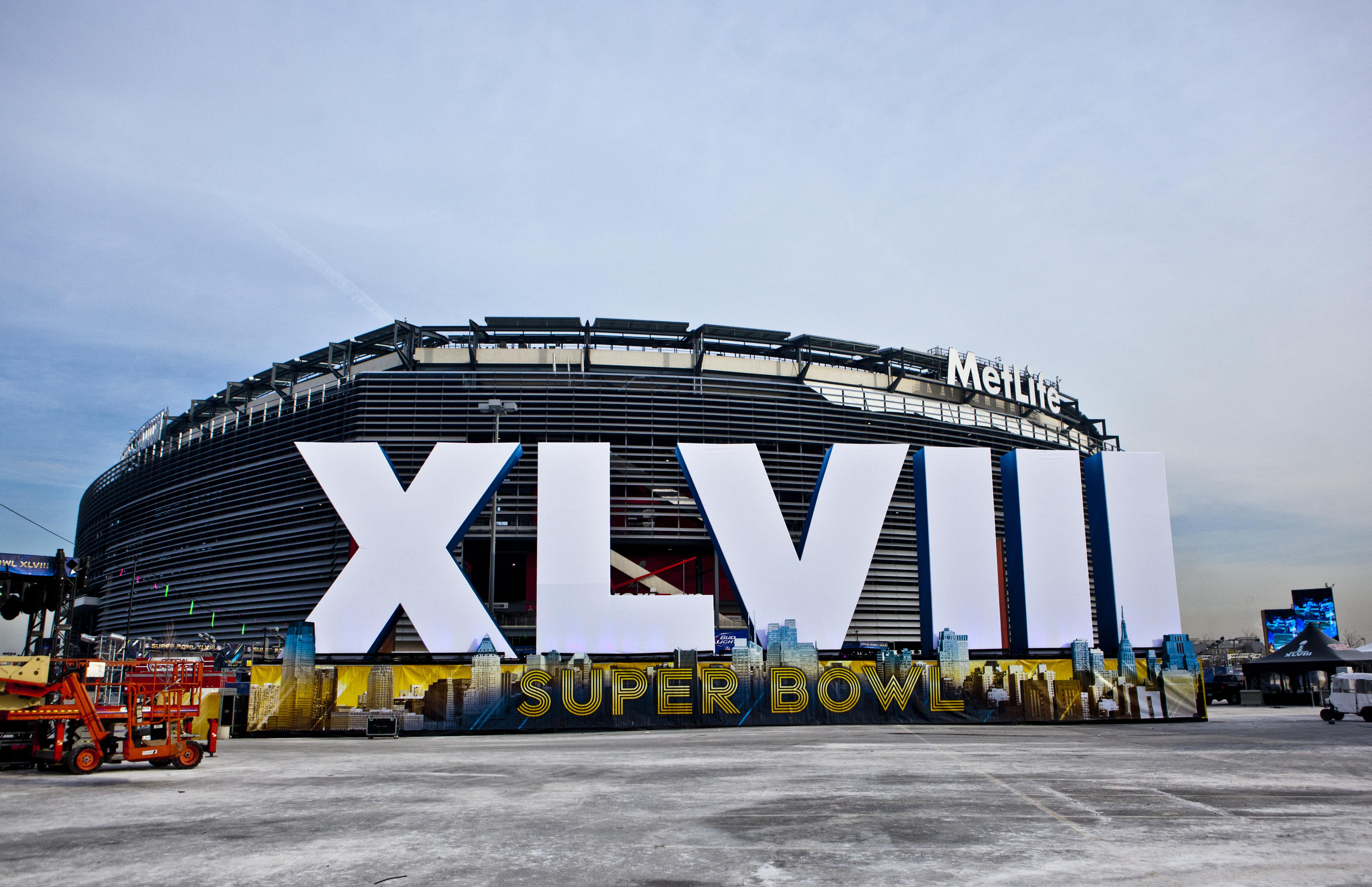 MetLife_Stadium_exterior_Super_Bowl_XLVIII